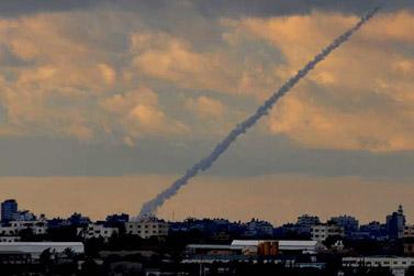 טיל גראד נורה מרצועת עזה לכיוון ישראל (צילום: פלאש 90)