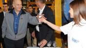 """ראש הממשלה אהוד אולמרט מבקר במפעל מקורות, שלשום (צילום: משה מילנר, לע""""מ)"""