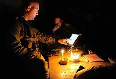"""כוחות צה""""ל ברצועת עזה, אתמול (צילום: מתן חכימי, דובר צה""""ל)"""