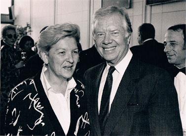 """עם נשיא ארה""""ב לשעבר ג'ימי קרטר (לחצו להגדלה)"""