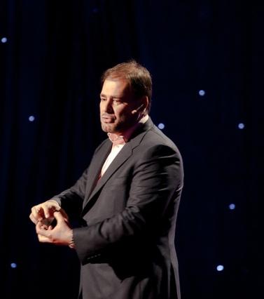 """ודאח חנפר, המנכ""""ל היוצא של אל-ג'זירה, בכנס TED בארה""""ב, מרץ 2011 (צילום: ג'ים פרוכטרמן, רישיון cc)"""