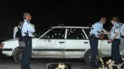 כוחות משטרה סביב המכונית שנורתה אמש (צילום: ליאור מזרחי)