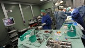 ניתוח בבית-החולים וולפסון (צילום: גילי יערי)