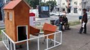 תערוכת בתים מטעם בנק הפועלים בשדרות רושטילד בתל-אביב (צילום: רוני שיצר)