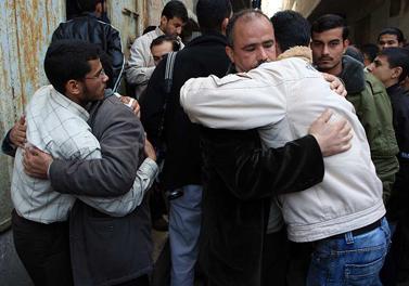 """הלוויית מחבל שנהרג על-ידי צה""""ל, אתמול בעזה (צילום: ויסאם נסאר)"""