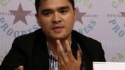 """חוזה אנטוניו ורגאס מרצה על עבודתו ב""""וושינגטון פוסט"""" בכנס בוושינגטון, יולי 2008 (צילום: קמפוס פרוגרס, רישיון cc)"""