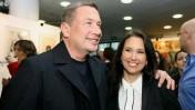 נוחי דנקנר ובעלת השליטה בבנק הפועלים, שרי אריסון, 2007. צילום: משה שי