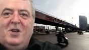 אמנון דנקנר על רקע גשר מעריב (צילומים: העין השביעית ומרים אלסטר. עיבוד מחשב)