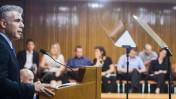 שר האוצר יאיר לפיד במסיבת עיתונאים בכנסת, 29.5.13 (צילום: יונתן זינדל)