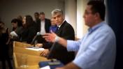 """שר האוצר יאיר לפיד ויו""""ר ההסתדרות עופר עיני, אתמול במסיבת עיתונאים (צילום: יונתן זינדל)"""