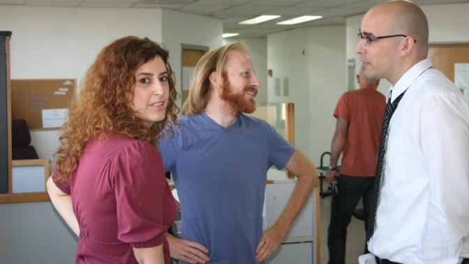 """עו""""ד אמיר בשה, חגי מטר וגבי גולדמן, 26.5.13 (צילום: """"העין השביעית"""")"""