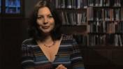 """רותי קרן (צילום מסך: """"סופרים קוראים"""")"""