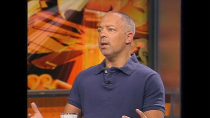 """רז שכניק, כתב """"ידיעות אחרונות"""", מדבר בתוכנית """"תיק תקשורת"""" על התחקיר בעניינו של שרון גל"""