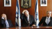 ראש הממשלה, שר האוצר ונגיד בנק ישראל המיועד, אתמול במסיבת עיתונאים (צילום: מרים אלסטר)