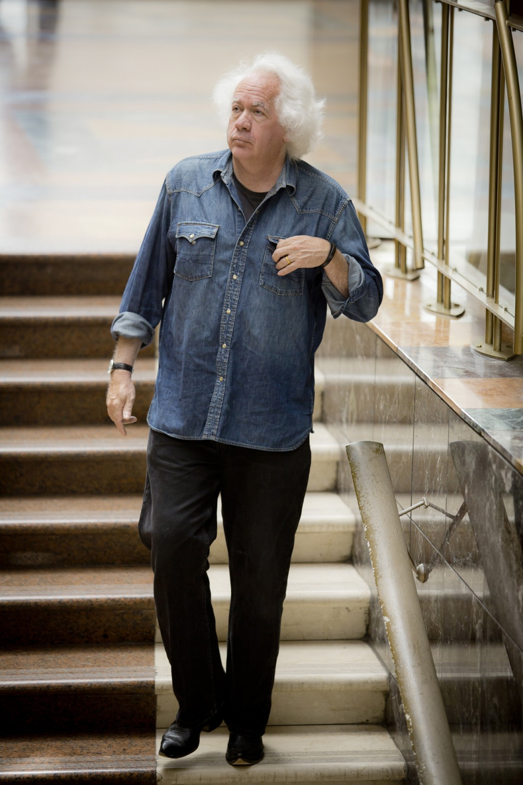 """ליאון ויזלטיר, העורך הספרותי של ה""""ניו רפבליק"""". תל-אביב, יוני 2013 (צילום: משה שי)"""
