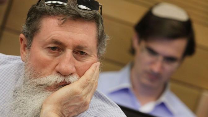 יעקב כץ בכנסת, 11.6.2012 (צילום: מרים אלסטר)