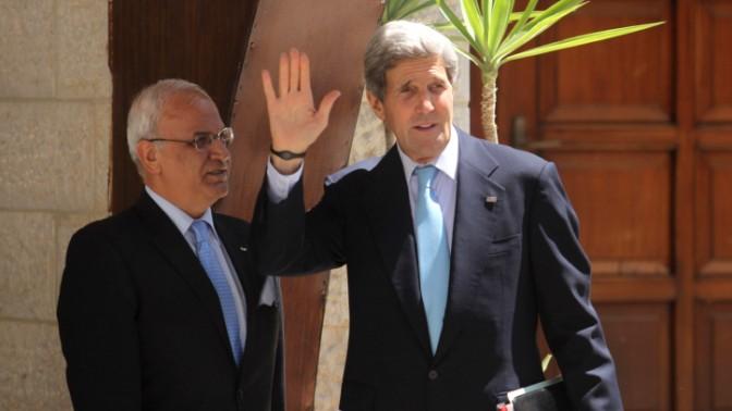 שר החוץ האמריקאי ג'ון קרי, אתמול ברמאללה (צילום: עיסאם רימאווי)