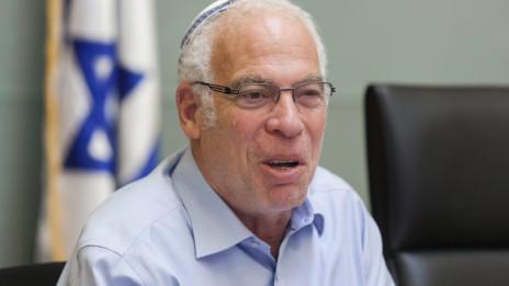 שר הבינוי והשיכון אורי אריאל, אתמול בוועדת הכספים של הכנסת (צילום: פלאש 90)