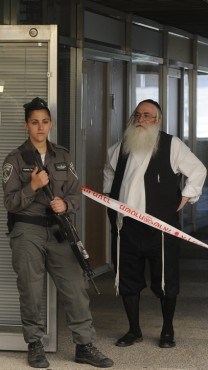 ליד זירת הרצח בירושלים, אתמול (צילום: סוזנה ינקו)