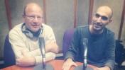 """אסף ליברמן (מימין) ואביב לביא, באולפן התוכנית """"יהיה בסדר"""" בגלי צה""""ל"""