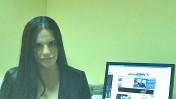 אופירה אסייג (צילום מסך מעובד מתוך קמפיין לרדיו 103FM)