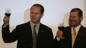 אורי לופוליאנסקי עם ניר ברקת בהרמת כוסית לרגל כניסתו לתפקיד, 3.12.08 (צילום: פלאש 90)