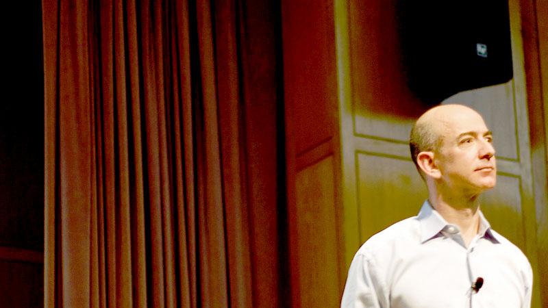 ג'ף בזוס, המייסד והבעלים של אמזון והאיש העשיר בעולם (צילום: מתיו טובנין, רישיון cc-by-nc-nd)