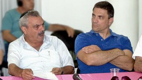 """מנכ""""ל אגודת העיתנואים יוסי בר-מוחא (משמאל) והיו""""ר רותם אברוצקי (צילום: """"העין השביעית"""")"""
