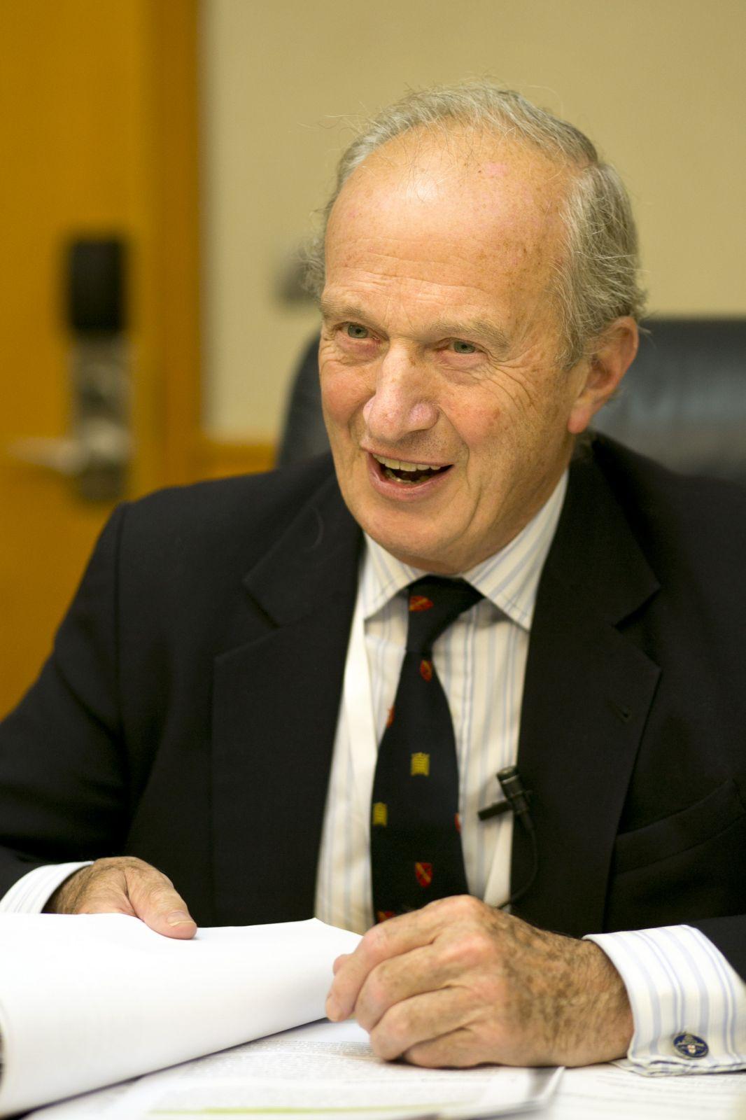 הלורד דייוויד האנט, ראש מועצת העיתונות הבריטית. תל-אביב, 10.9.13 (צילום: מתניה טאוסיג)