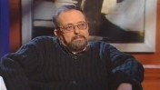 """אריה כספי, בראיון האחרון שנתן. """"פגישה לילית"""" עם קובי מידן, 2003 (צילום מסך)"""