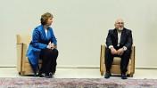 שרת החוץ האירופית קתרין אשטון ושר החוץ האיראני ג'וואד זריף, ז'נבה, 15.10.13 (צילום: EEAS, רשיון cc-by-nc-nd)
