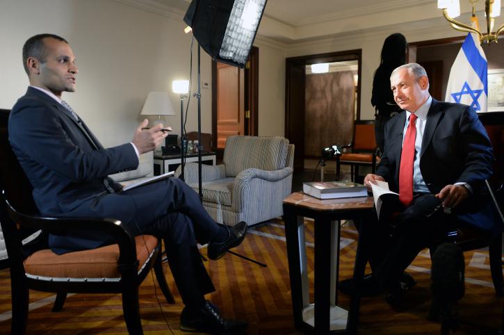 """ראש הממשלה בנימין נתניהו בראיון לערוץ של ה-BBC, בפרסית, 3.10.13 (צילום: קובי גדעון, לע""""מ)"""