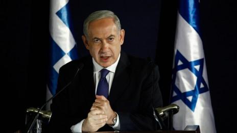 ראש הממשלה בנימין נתניהו במסיבת עיתונאים, אתמול, 8.10.13 (צילום: פלאש 90)