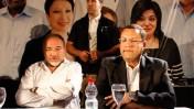 """ח""""כ אביגדור ליברמן (משמאל) ורואה החשבון משה ליאון, אחרי שהם שומעים על תוצאות הבחירות לראשות העיר ירושלים, 23.10.13 (צילום: פלאש 90)"""