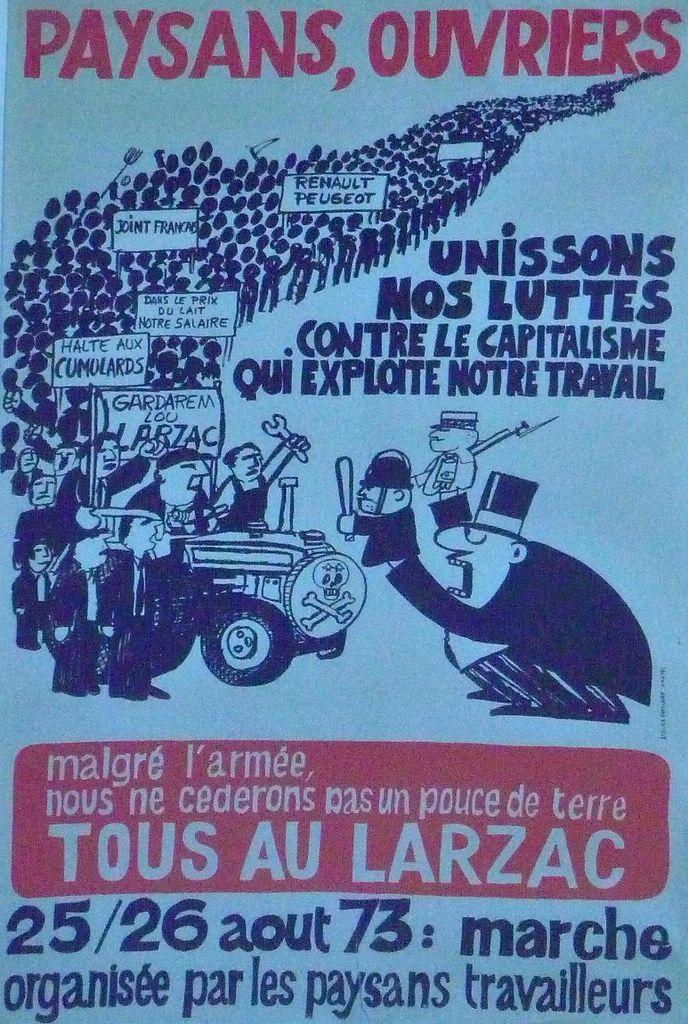 """כרזה לקראת תהלוכת מחאה, אוגוסט 1973: """"איכרים, פועלים, למרות הצבא לא נוותר על אף שעל אדמה. כולם ללארזק"""""""