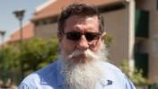 יעקב כץ בשכונת האולפנה בבית-אל, 17.6.2012 (צילום: אורי לנץ)