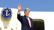 """מזכיר המדינה האמריקאי ג'ון קרי נוחת בישראל, 8.11.13 (צילום: מתי שטרן, שגרירות ארה""""ב)"""