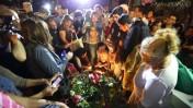 מעל קברו של אריק איינשטיין. תל-אביב, 27.11.13 (צילום: יעקב נחומי)