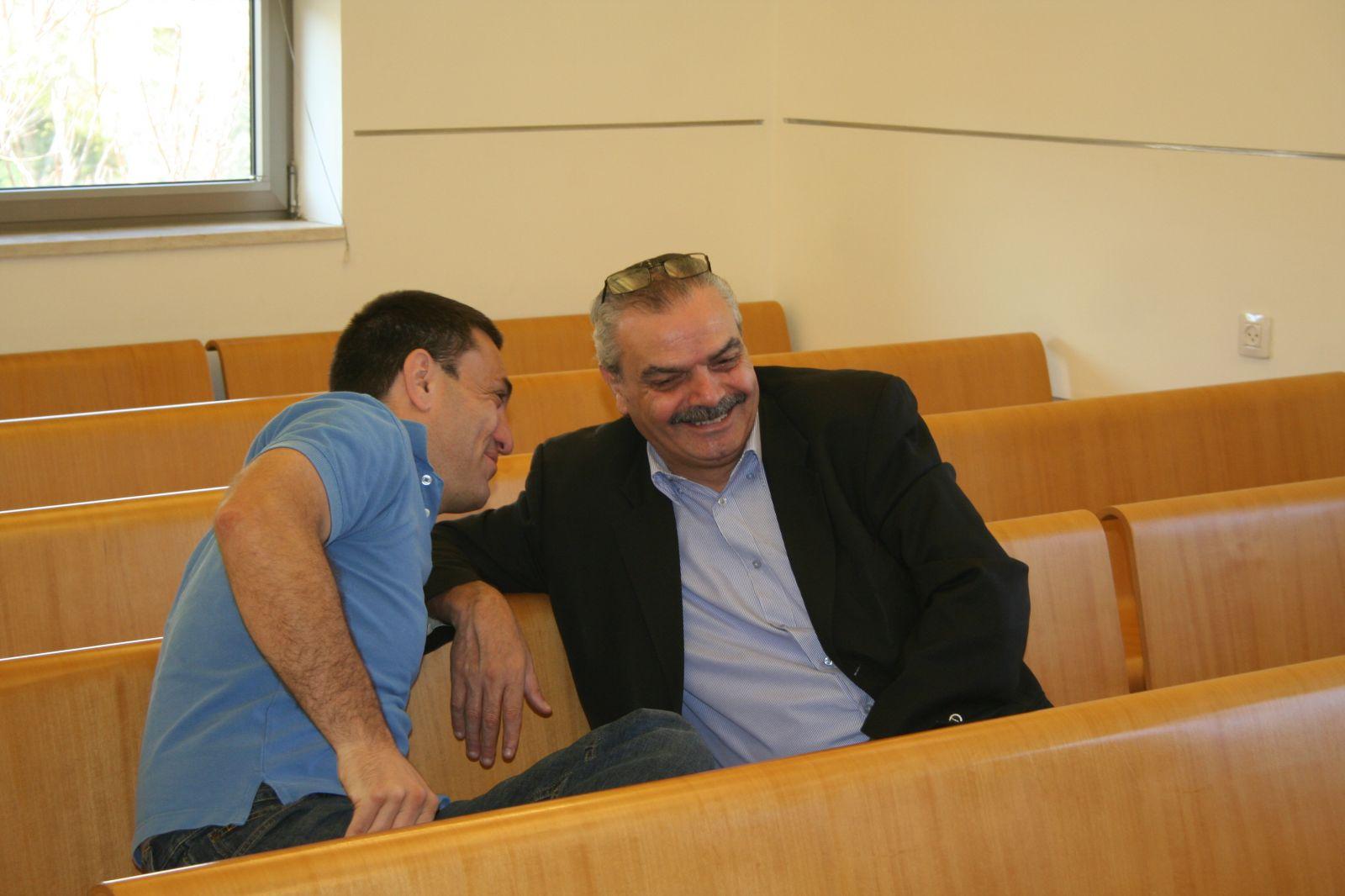"""יוסי בר-מוחא ורותם אברוצקי, בית הדין הארצי לעבודה, 26.11.13 (צילום: """"העין השביעית"""")"""