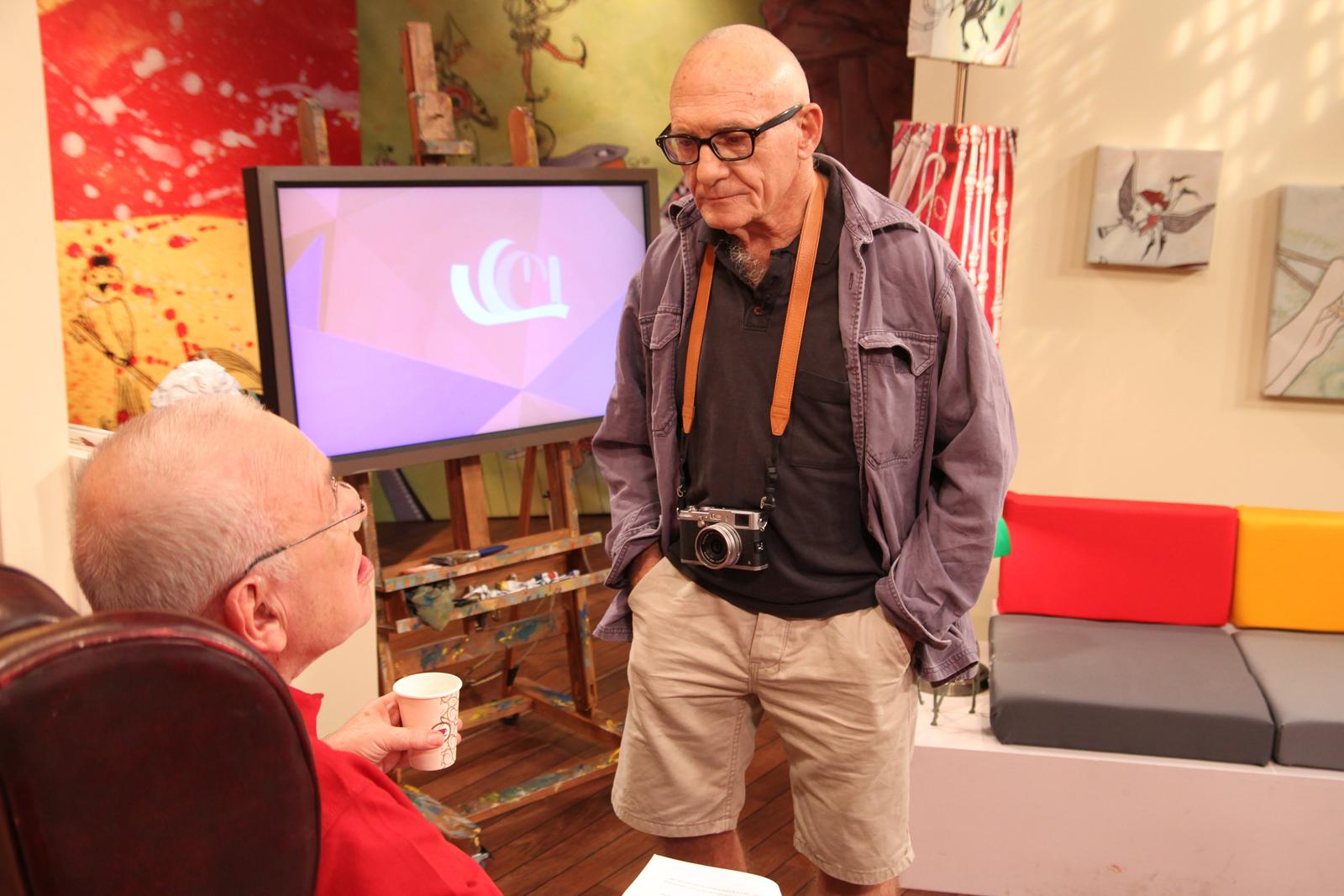 """אלכס ליבק (מימין) בתוכנית """"במה זה מוזה"""" עם ירון לונדון בטלוויזיה החינוכית (צילום: שרונה גיא)"""