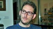 """שאול אמסטרדמסקי, בביתו במושב מסילת-ציון, 16.12.13 (צילום: """"העין השביעית"""")"""