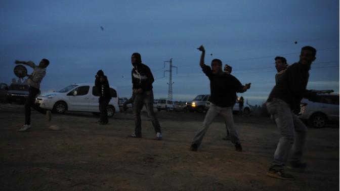 הפגנה נגד תוכנית פראוור בעיירה הבדואית חורה, 30.11.13 (צילום: דוד ביומוביץ')