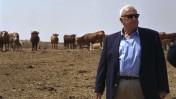 """אריאל שרון. חוות השקמים, 3.8.01 (צילום: משה מילנר, לע""""מ)"""