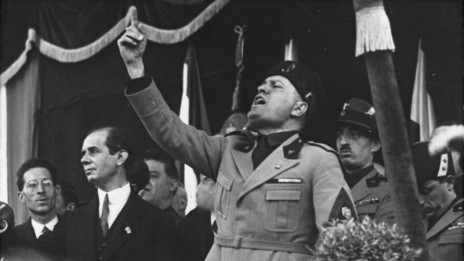 בניטו מוסוליני במילאנו, 1930 (נחלת הכלל)