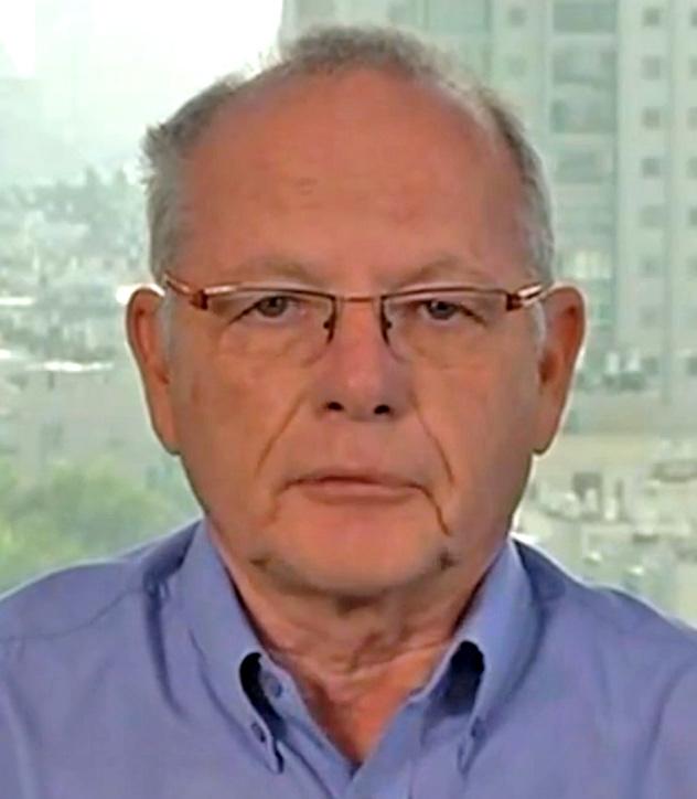 עקיבא אלדר בראיון לאל-ג'זירה על אודות יוזמת קרי, 6.11.13 (צילום מסך)