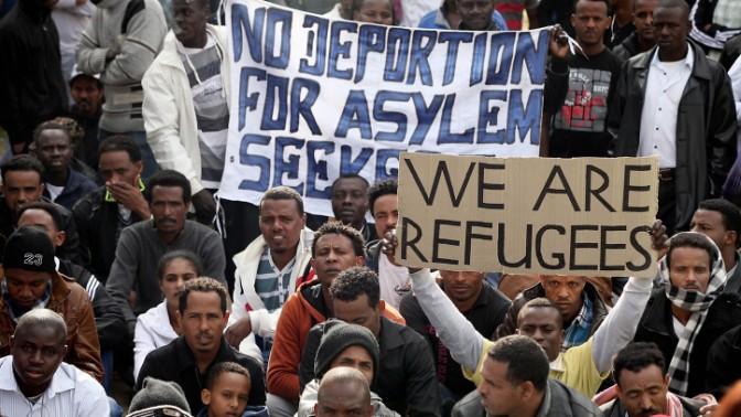 מהגרים אפריקאים מפגינים נגד מדיניות הממשלה, תל-אביב, 7.1.14 (צילום: גדעון מרקוביץ)