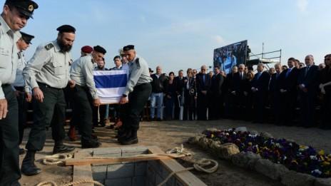 """הלוויית ראש הממשלה לשעבר אריאל שרון, חוות השקמים, 13.1.14 (צילום: קובי גדעון, לע""""מ)"""