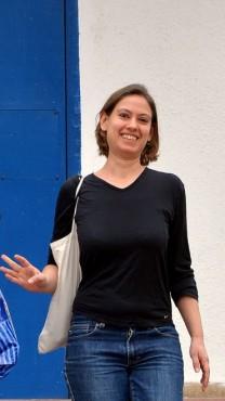 ענת קם בצאתה מבית-הסוהר נווה-תרצה, 26.1.14 (צילום: יוסי זליגר)