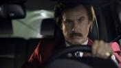 """ויל פארל בדמותו של רון בורגונדי בסרטון קידום מכירות לרכבי דודג', המפרסם גם את הסרט בכיכובו """"חדשות בהפרעה"""""""