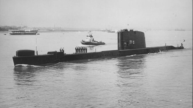 הצוללת דקר יוצאת לישראל מנמל פורטסמות, 9.1.1968 (צילום: מוזיאון העפלה וחיל הים)
